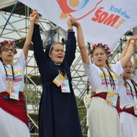 WYD2016_July26_Opening_Mass_Card_Dziwisz (18)